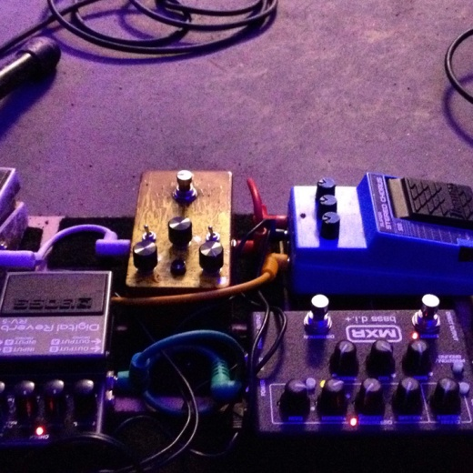 Broncho pedals