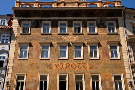 Prague street photography by Keena Gonzalez